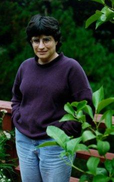 Locus Online: Lisa Goldstein interview